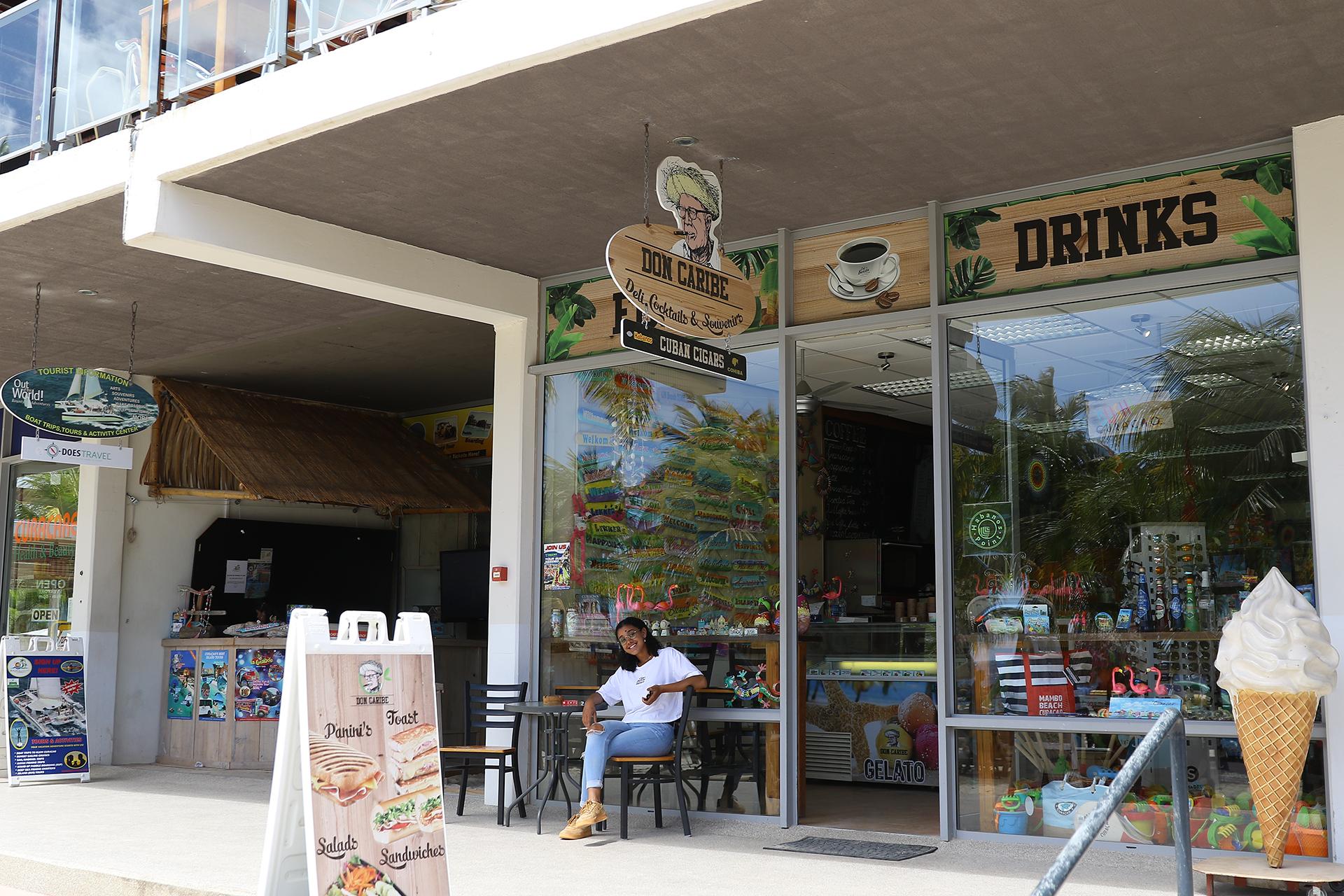 Exotic Curaçao Souvenir store